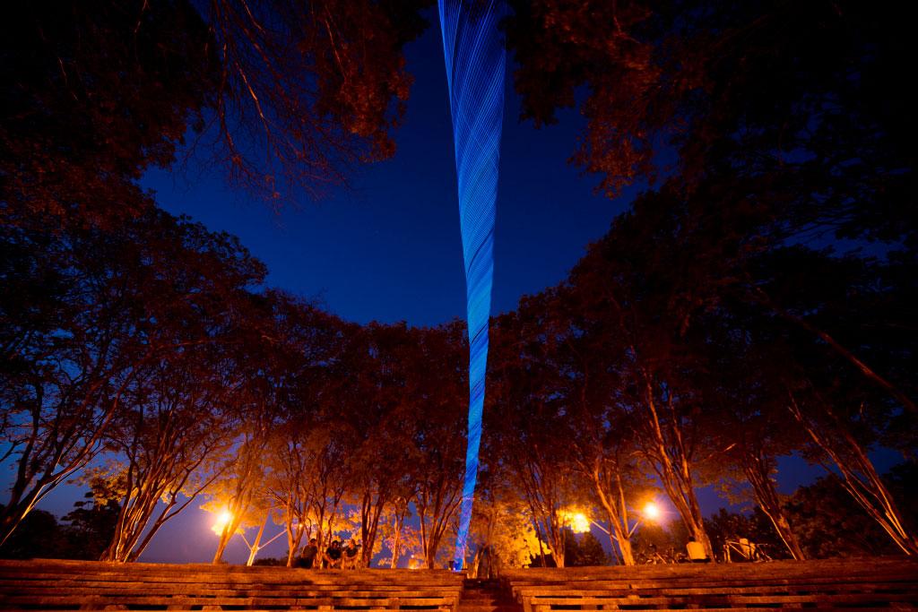 iPhoto-Channel_Christian-Camilo_Tornado-de-luz-4