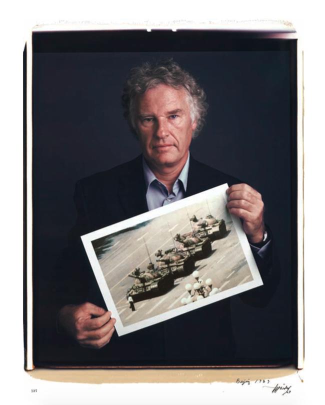 iPhotoChannel_livro_behind-photographs_Tim-Mantoani_2