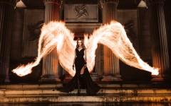 Cliques de smartphone capturam light painting incrível com fogo