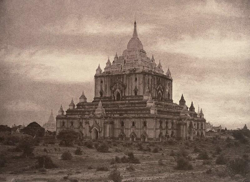 Pagoda Thapinyu, centro religioso. | Foto: Linnaeus Tripe