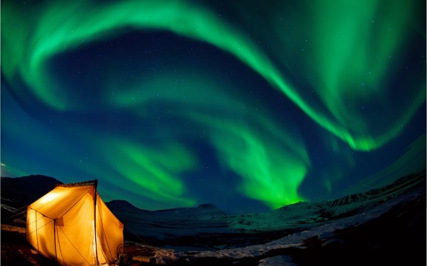 iPhotoChannel-Aurora-boreal-Village-Yellowknife