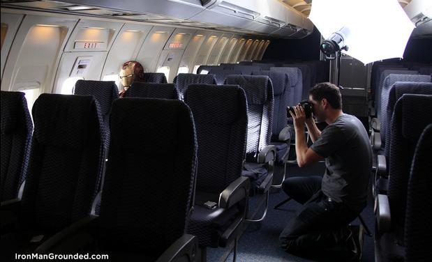 Making of da série, com o fotógrafo Raffael Dickreuter em ação. | Foto: Divulgação