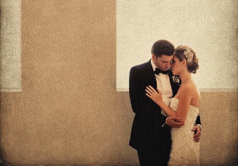 A pose perfeita: mãos relaxadas e dedos esticados com delicadeza, mostrando o momento de carinho do casal. | Foto: Roberto Valenzuela.