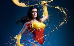 Estúdio cria heroínas com leite na série Hero Splash