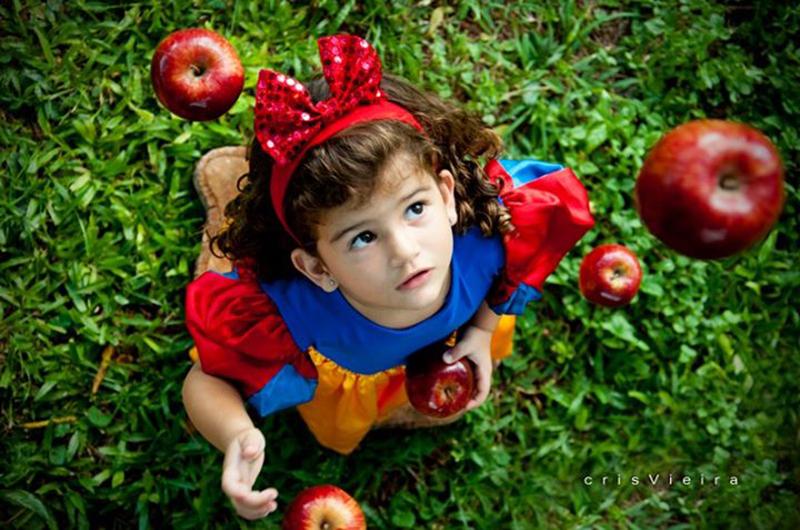Anna Clara – 3 anos | Câmera: Nikon D90 - 18-105mm | ISO 200 – f/4.8 – 1/40 – sem flash | Foto: Cris Vieira