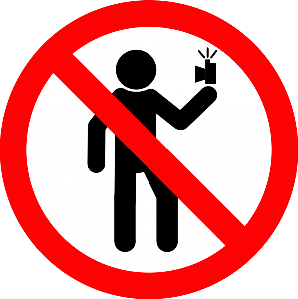 iPhotoChannel-selfie-segura-russia-mortes