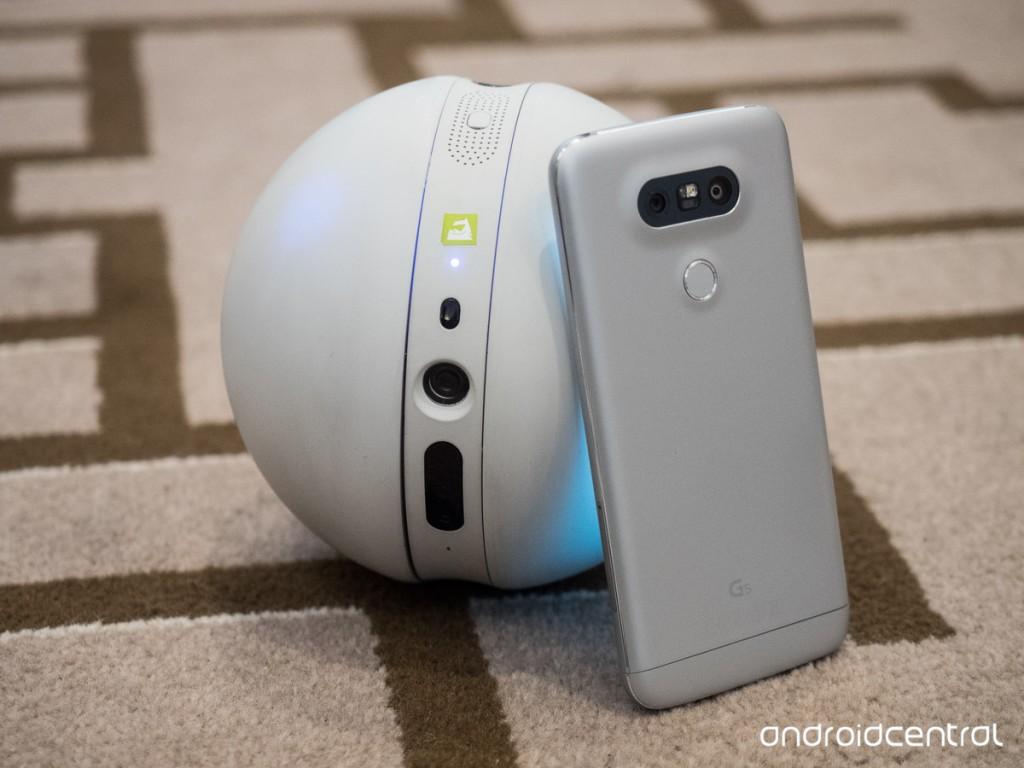 O robozinho LG Rolling Bot | Foto: www.androidcentral.com