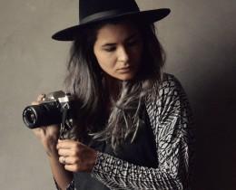 A fotógrafa Danny Bittencourt