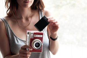 iphoto-lomography-camera-instantanea-automatica (1)