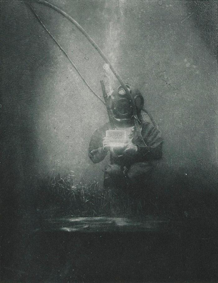 world-first-underwater-portrait-1899-louis-marie-auguste-boutan-2