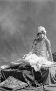 iphoto-retratos-irmaos-vargas-florencia-rivero-arequipa-peru-1925