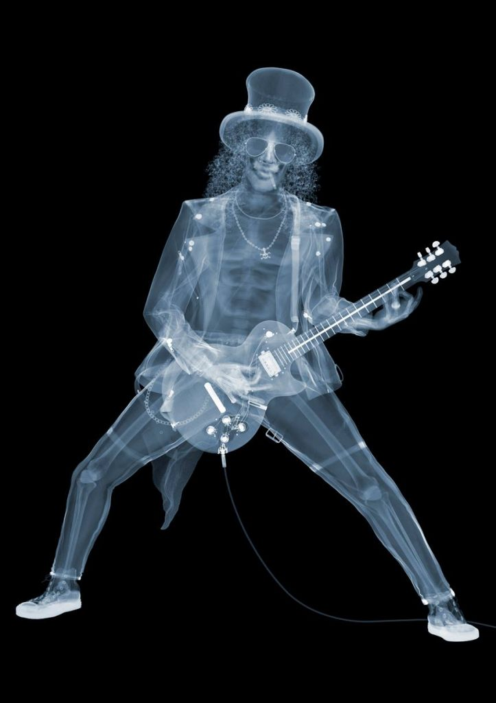 O guitarrista do Guns and Roses, Slash | Foto: Nick Veasey