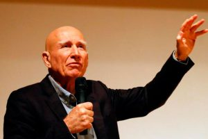 "Sebastião Salgado na abertura da exposição ""The World Through His Eyes"" 