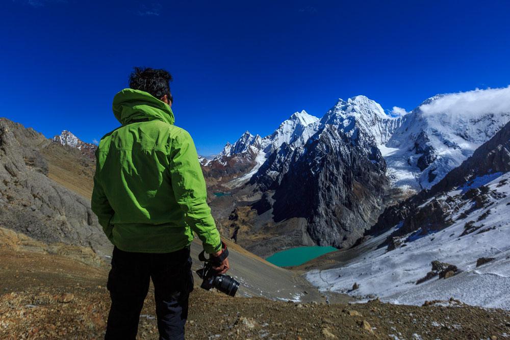 O fotógrafo Edson Vandeira em Huayhuash, no Peru