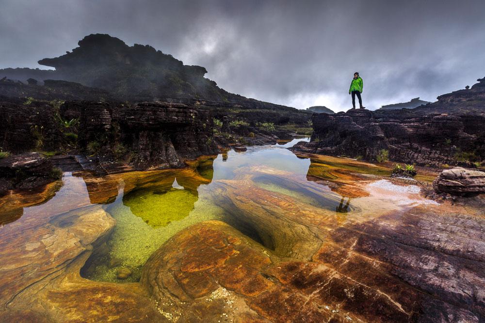 Jacuzzis, piscinas molduras pela natureza no topo do Monte Roraima - Venezuela   Foto: Edson Vandeira