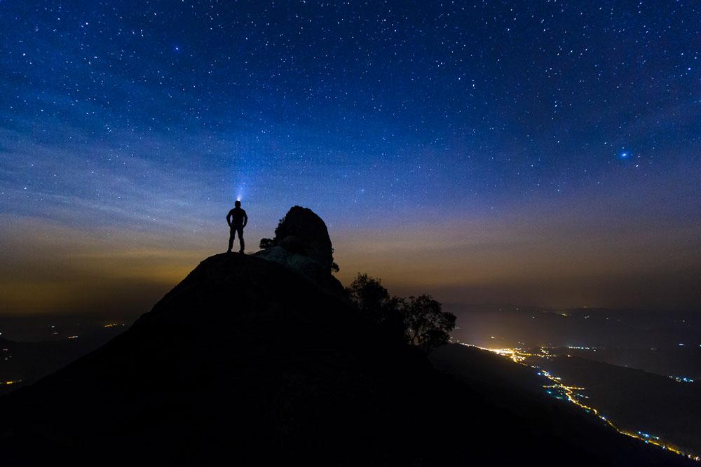 Noite estrelada. Pedra do Baú, São Paulo - Brasil   Foto: Edson Vandeira