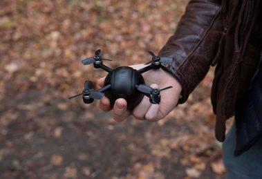 Tudo-em-um: câmera de ação, drone e câmera de segurança