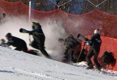 Esquiadora atropela fotógrafos nas Olimpíadas de Inverno