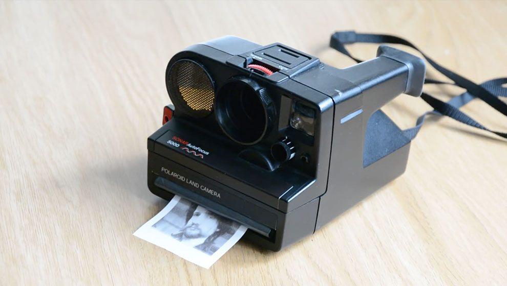 c7f70fe36 Câmera Polaroid modificada imprime fotos em papel